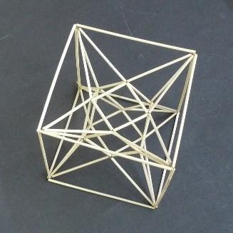 立方8面体の星形で補強.jpg